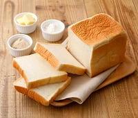 パンフォーユーカジワラにて食パンの販売を始めました